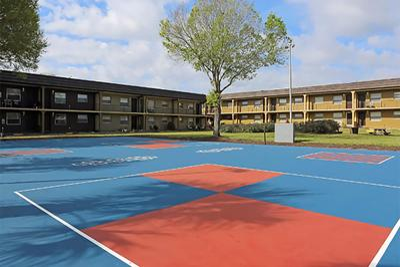 Jacky Brice - V17 courts.jpg