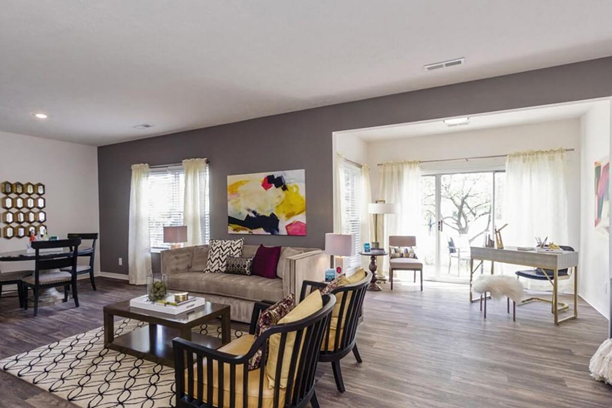 SPACIOUS FLOOR PLANS FOR RENT AT THE RESIDENCE AT BARRINGTON APARTMENTS