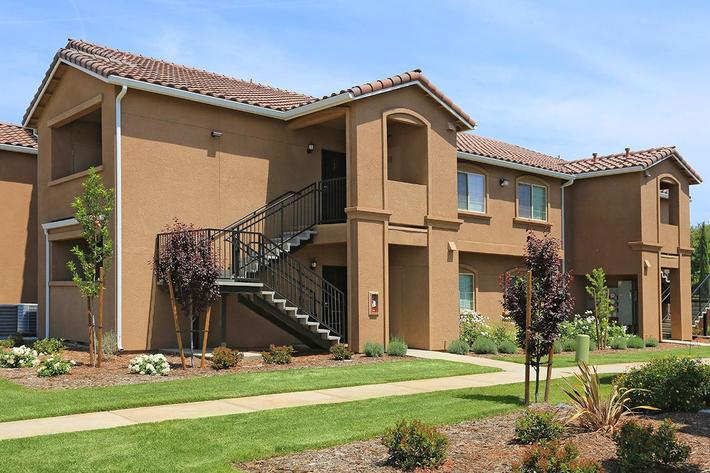 Greystone Apartments in Fresno, California