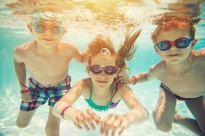 amenities-pool-kids underwater.jpg