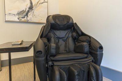 massage_room.jpg