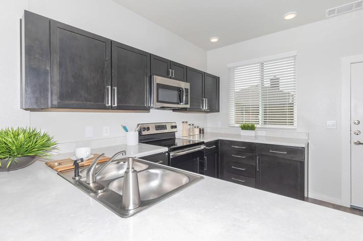 ALL-ELECTRIC KITCHEN IN TOWNHOMES AT TWENTY01