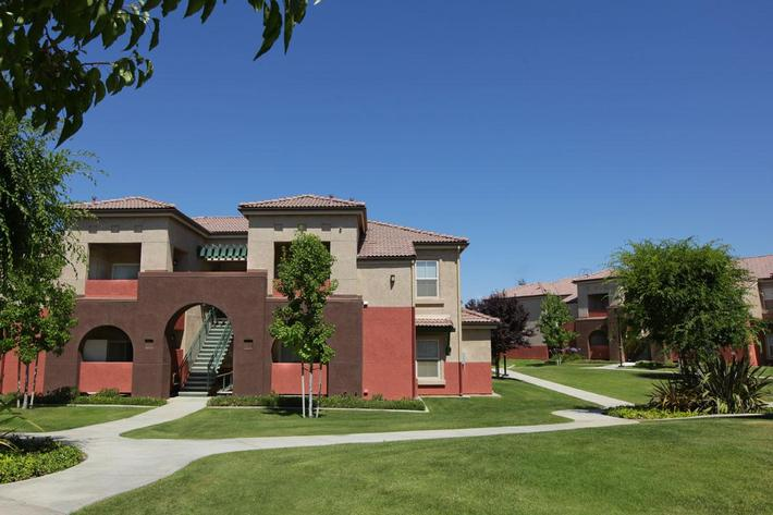 Come see why Rio Paseo is the best in apartment home living today