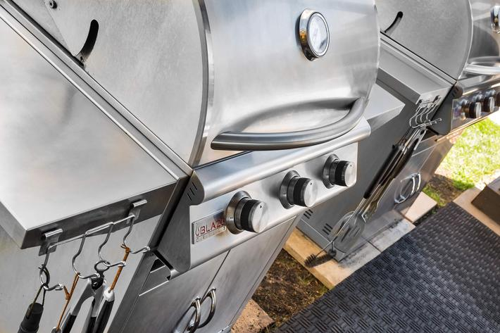 The Trace Apartments - Amenity 17 Outdoor Grill.jpg