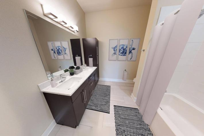 The Trace Apartments - 3 Bed BAthroom 12.jpg