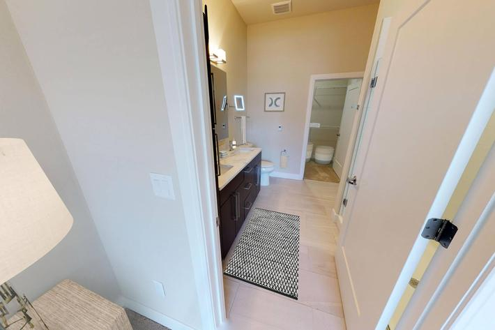 The Trace Apartments - 3 Bed Bathroom 10.jpg