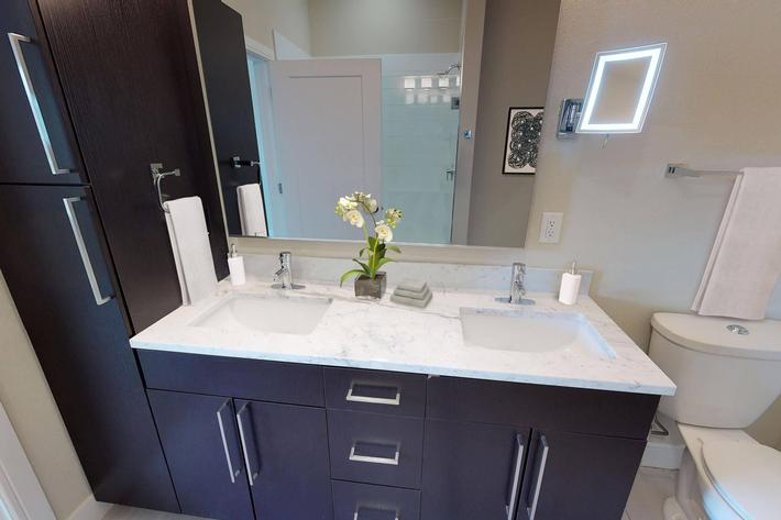 The Trace Apartments - 3 Bed Bathroom 11.jpg