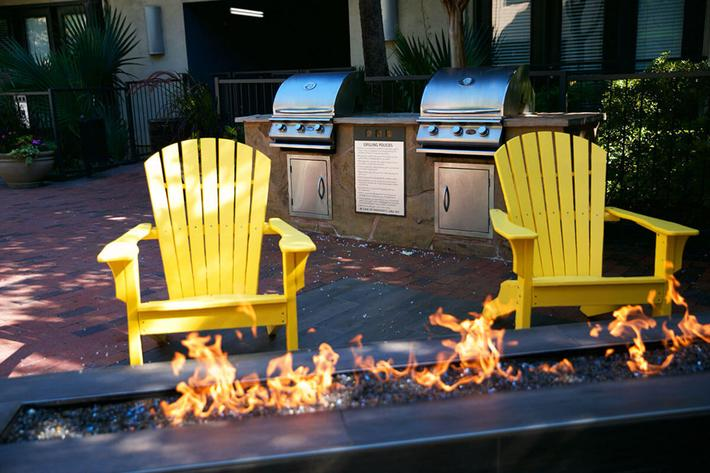 Relax Next to the Fire Pit at Vue Fitzhugh, Dallas, Texas
