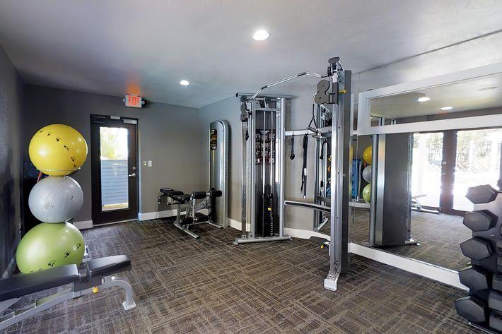 arbor-oaks-apartments-bradenton-fl-fitness-center (1).jpg