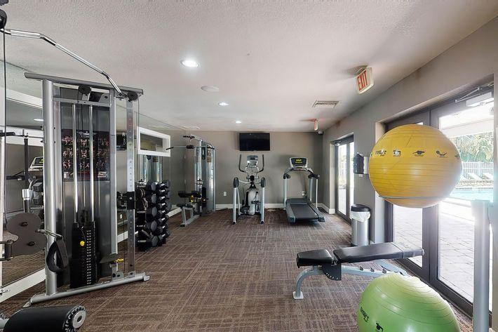 arbor-oaks-apartments-bradenton-fl-fitness-center (2).jpg
