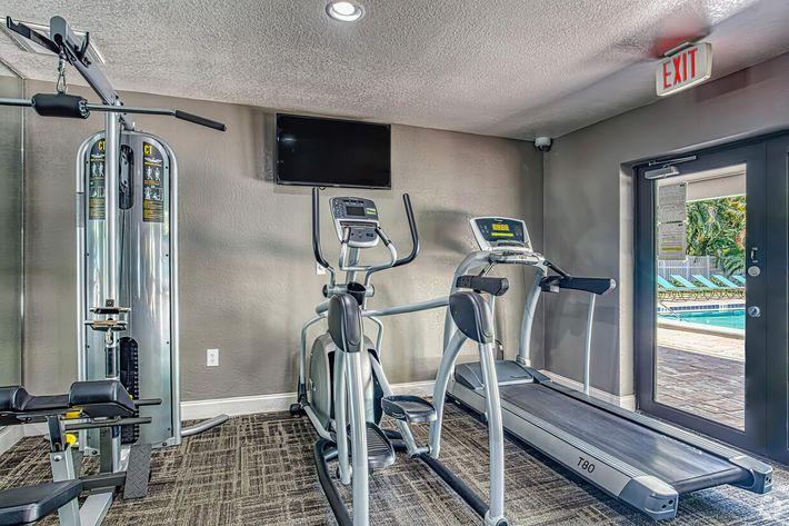 arbor-oaks-apartments-bradenton-fl-fitness-center (3).jpg