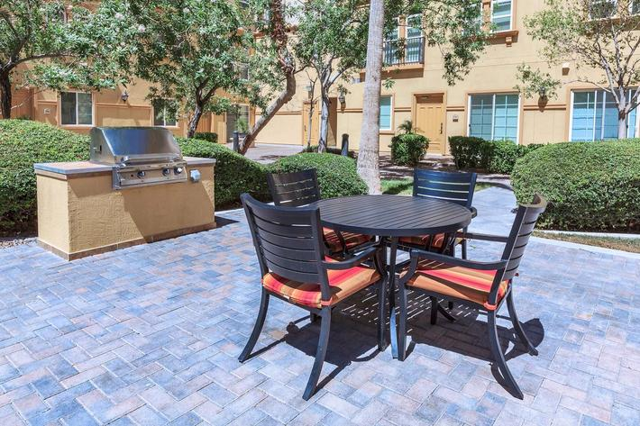 BOCA RATON IN LAS VEGAS, NEVADA OFFERS A GREAT PICNIC AREA WITH A BARBECUE