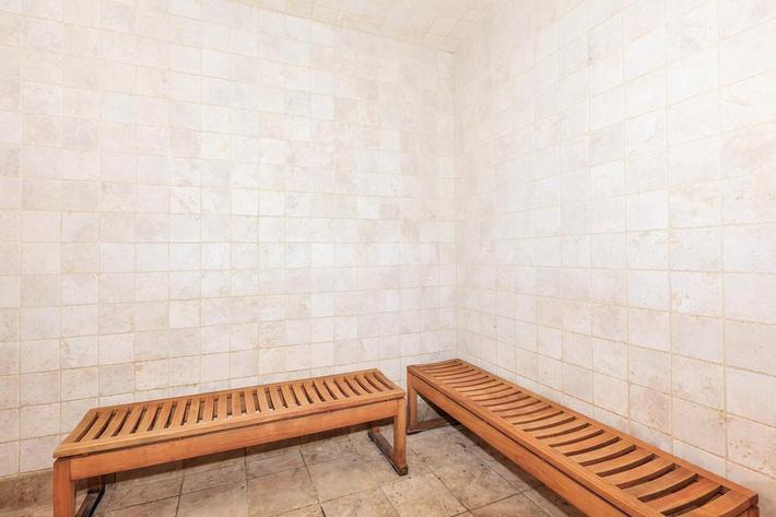 RELAX IN OUR DRY SAUNA AT BOCA RATON IN LAS VEGAS, NEVADA