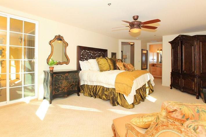 ELEGANT BEDROOM AT BOCA RATON IN LAS VEGAS, NEVADA