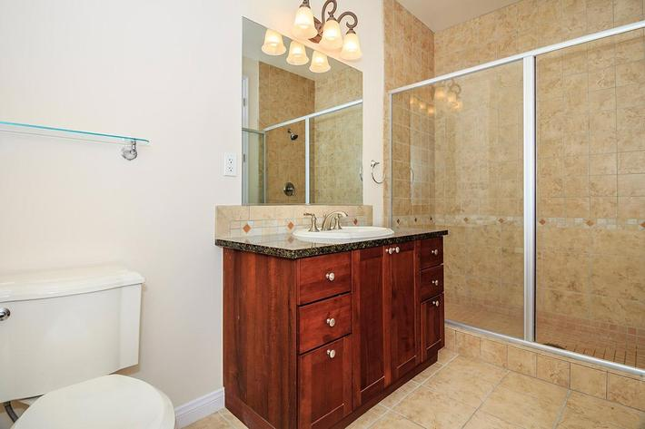 ELEGANT BATHROOM AT BOCA RATON IN LAS VEGAS, NEVADA