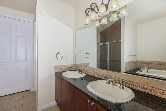 ELEGANT BATHROOM AT BOCA RATON IN LAS VEGAS, NEVADA