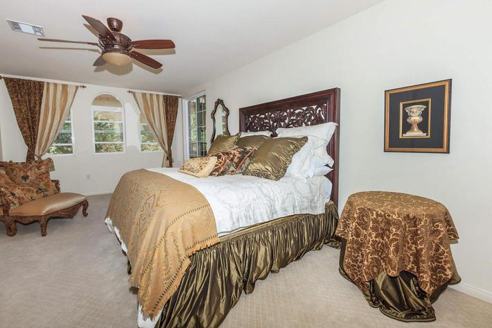 COMFORTABLE BEDROOM IN BOCA RATON IN LAS VEGAS, NEVADA