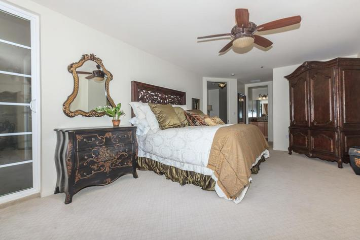 SPACIOUS BEDROOM IN BOCA RATON IN LAS VEGAS, NEVADA