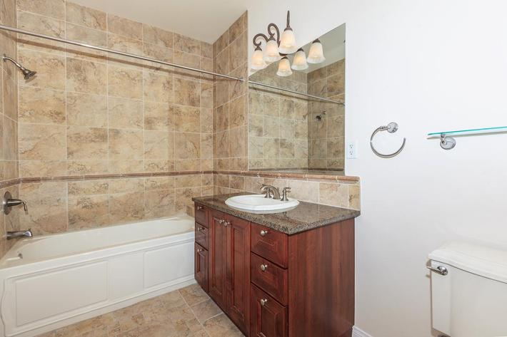 BEAUTIFUL DESIGNED BATHROOM AT BOCA RATON IN LAS VEGAS, NEVADA