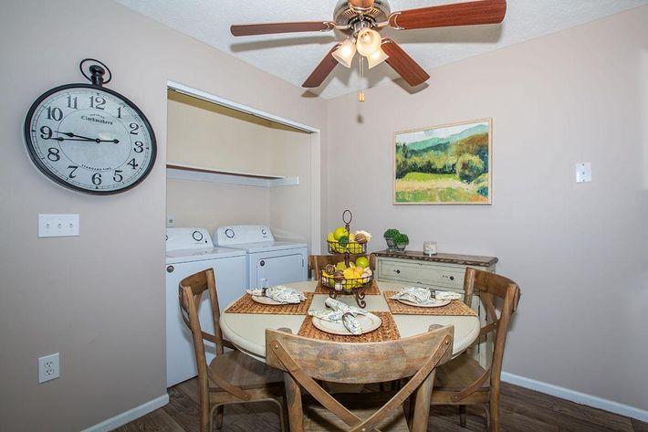 03b Dining Room.jpg