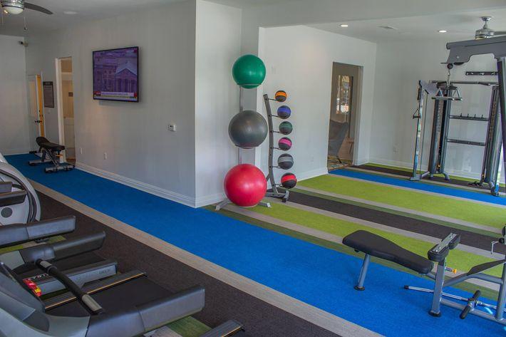 LO Fitness Center 2.jpg