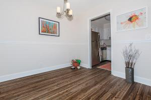 Longwood at Southern Hills features hardwood floors
