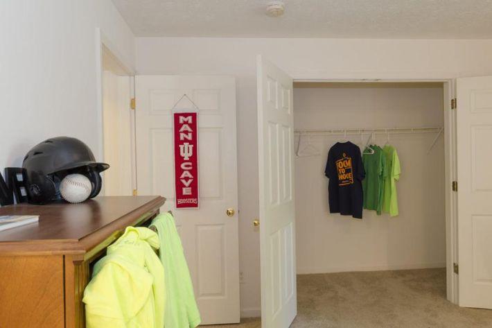 Bloomington-Copper_Beech_Way-Bedroom_Downstairs_Closet1-1024x678.jpg