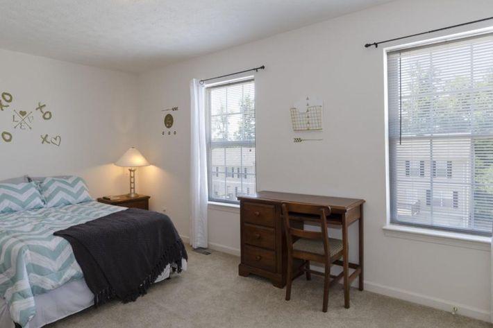 Bloomington-Copper_Beech_Way-Bedroom_Top_Front1-1024x678.jpg