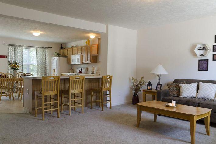 Bloomington-Copper_Beech_Way-Living_Room_to_Kitchen1.jpg