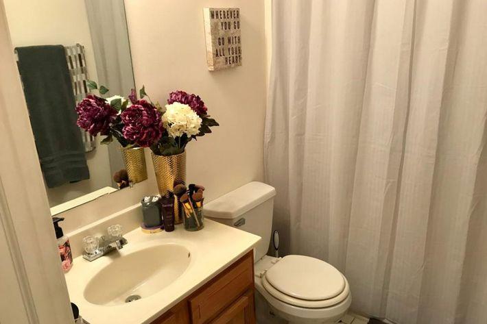 bathroom2-1024x768.jpg