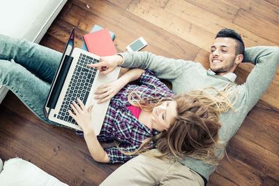 interior-woodfloor-couple with laptop.jpg