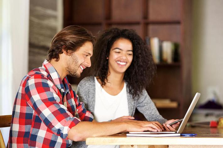 couple on laptop .jpg