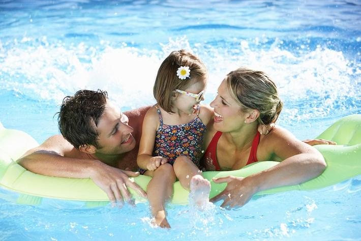 BRING YOUR FAMILY TO OUR SHIMMERING SWIMMING POOL AT BELLA ESTATES APARTMENT HOMES IN LAS VEGAS, NEVADA