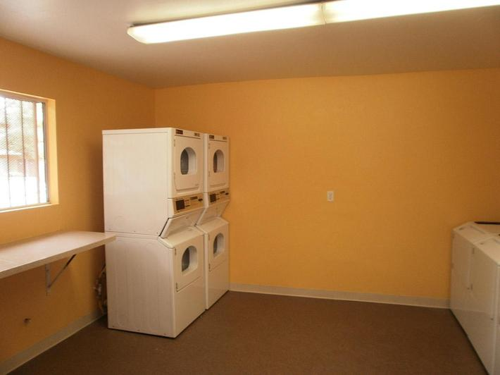 The laundry facility at Bella Estates Apartment Homes