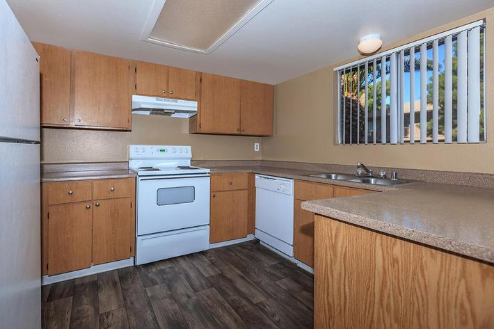 FULLY EQUIPPED KITCHEN AT BELLA ESTATES APARTMENT HOMES IN LAS VEGAS, NEVADA