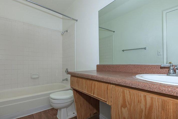 MODERN BATHROOM AT BELLA ESTATES APARTMENT HOMES IN LAS VEGAS, NEVADA