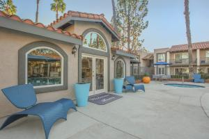 SCHEDULE A TOUR AND SEE ALL THE WONDERFUL AMENITIES AT LA VETA GRAND
