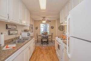 COMPLETE KITCHEN WITH DISHWASHER, PANTRY, AND GRANITE COUNTERTOPS